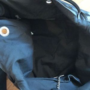 Rabeanco Bags - Large Leather Rabeanco Bucket Tote